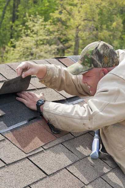 Saginaw roof repair technician